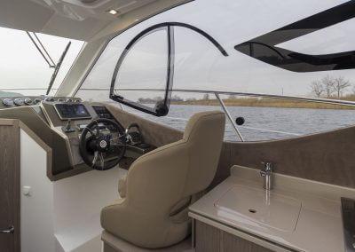 310-htc-cockpit-0006