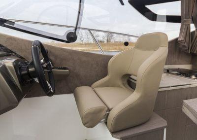 310-htc-cockpit-0007