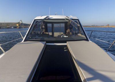 310-htc-cockpit-0012