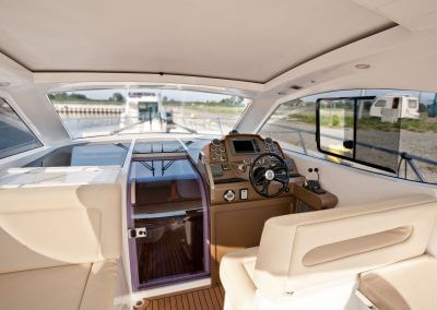 385-hts-cockpit-0005