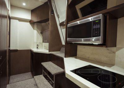 660fly-interior-0020