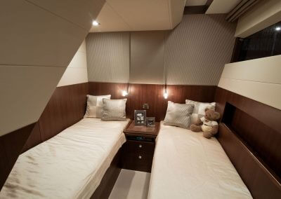 780-crystal-interior-0009