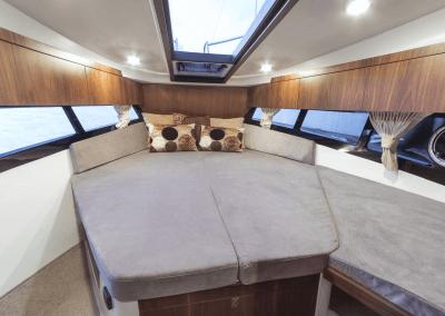 300fly-interior0006