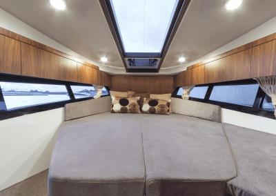 300fly-interior0007