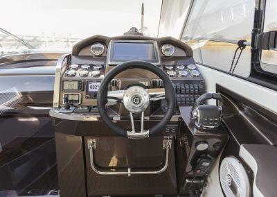 325-hts-cockpit-0009