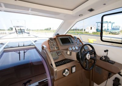385-hts-cockpit-0006