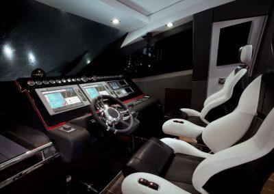 700-raptor-interior-0005