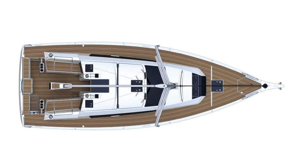 The new deck layout of the Dufour 390 improves the sailing characteristics of this yacht significantly and leaves nothing to be desired.
