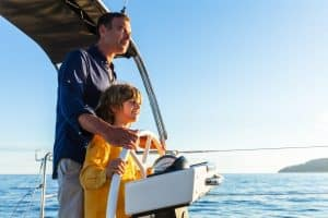 Sailing with the family in Mallorca on the Dufour 530 is particularly fun. The children like to stand at the helm and take over stearing.