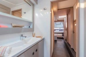 The Isla 40 catamaran has a particularly spacious owner's bathroom with a wide washstand, separate shower and separate toilet.