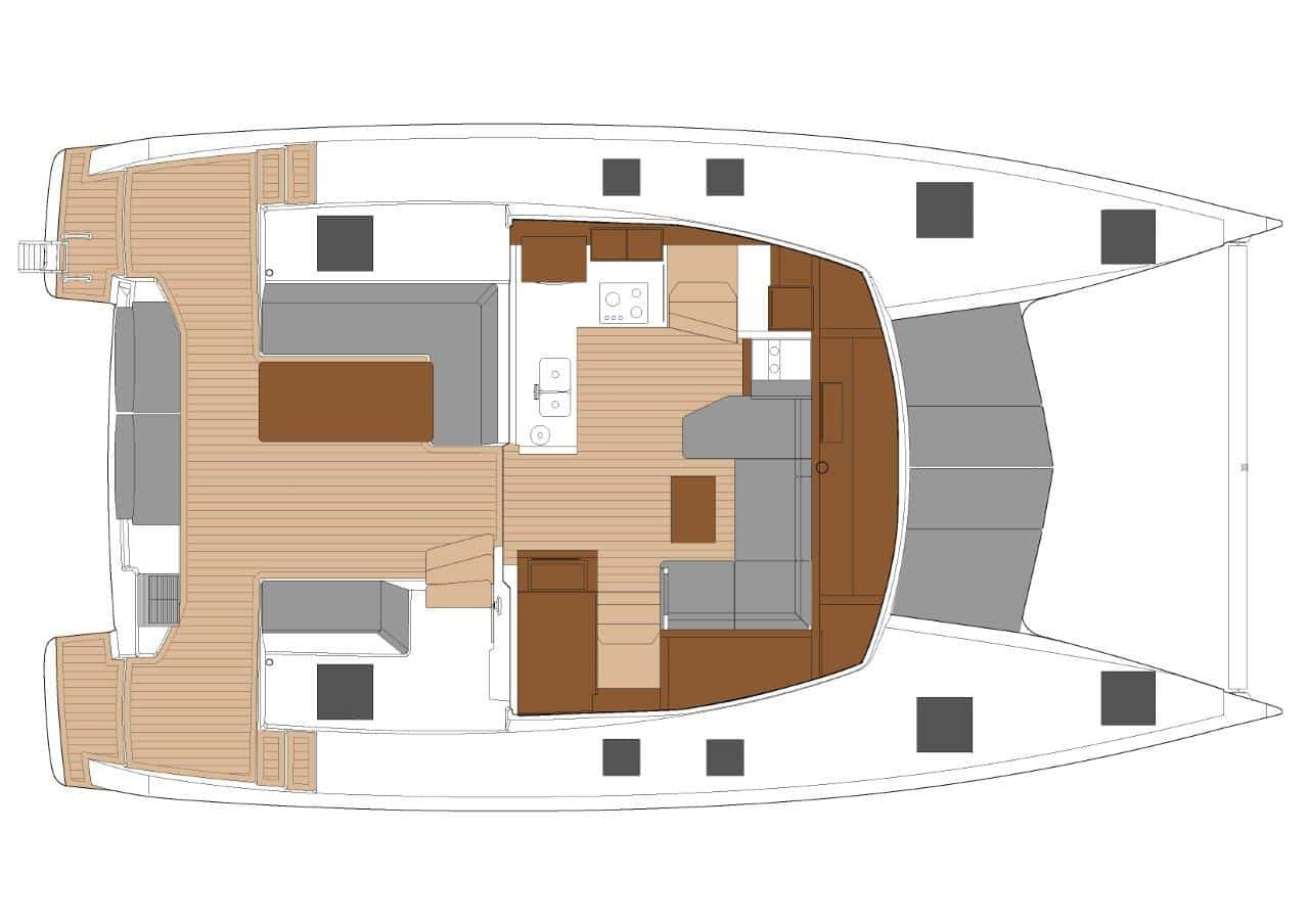 The well thought-out floor plan of saloon and cockpit shows the good layout of the sailing catamaran Fountaine Pajot Isla 40.